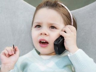 از چه سنی برای کودکان موبايل بگيريم؟