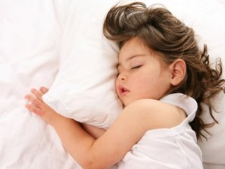 خواب نيمروزی برای کودکان واجب است؟