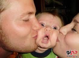 در بوسیدن بچه ها افراط نکنید