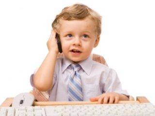 تلفن همراه در کيف کودکان !
