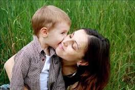 نقش ویژه مادر در پرورش یک پسر خوب