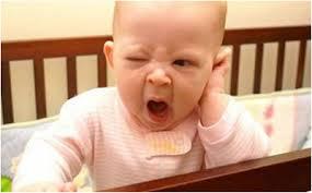 علت بی خوابی شبانه نوزادان