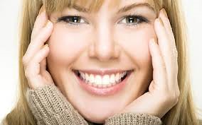 کشف رازهای زنان از پس لبخند